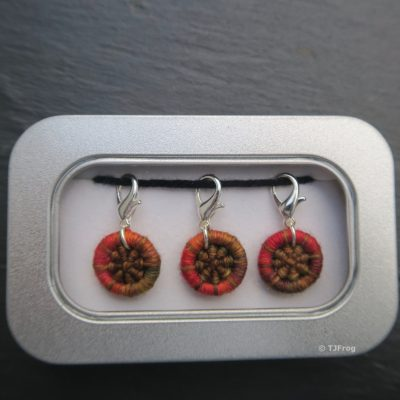 Dorset Button Stitchmarkers – Lobster Claw – Oranges