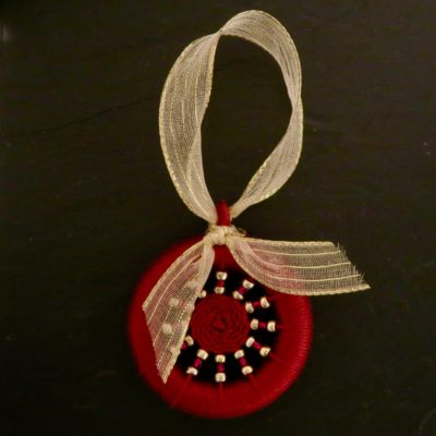 Dorset Button Kit – Tree / Hanging Decoration – Red with Gold Ribbon