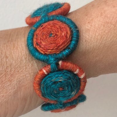 Bracelet – 2 colours, 1 Dorset Button Design